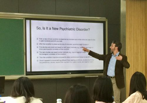 Dr. Rosenthal teaching students about Misophonia in Beijing